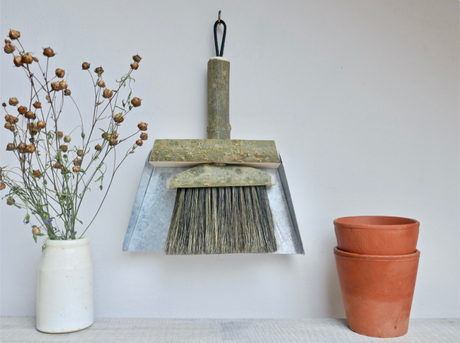 Potting Shed Brush Hanging 4